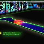 Schwarzlicht-Mini-Golf Bahn 15